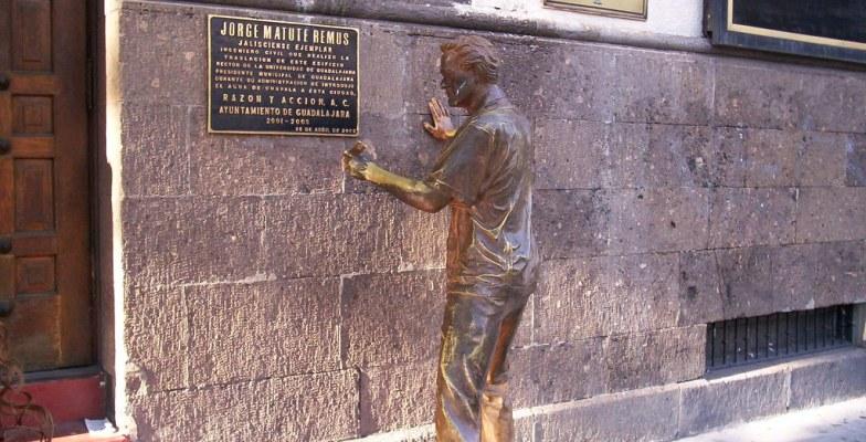 Estatua de Jorge Matute Remus | Flickr - Photo Sharing!