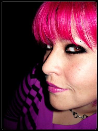 the magenta girl ♥ | I ♥ magenta I'm magenta ♥ I think mag ...