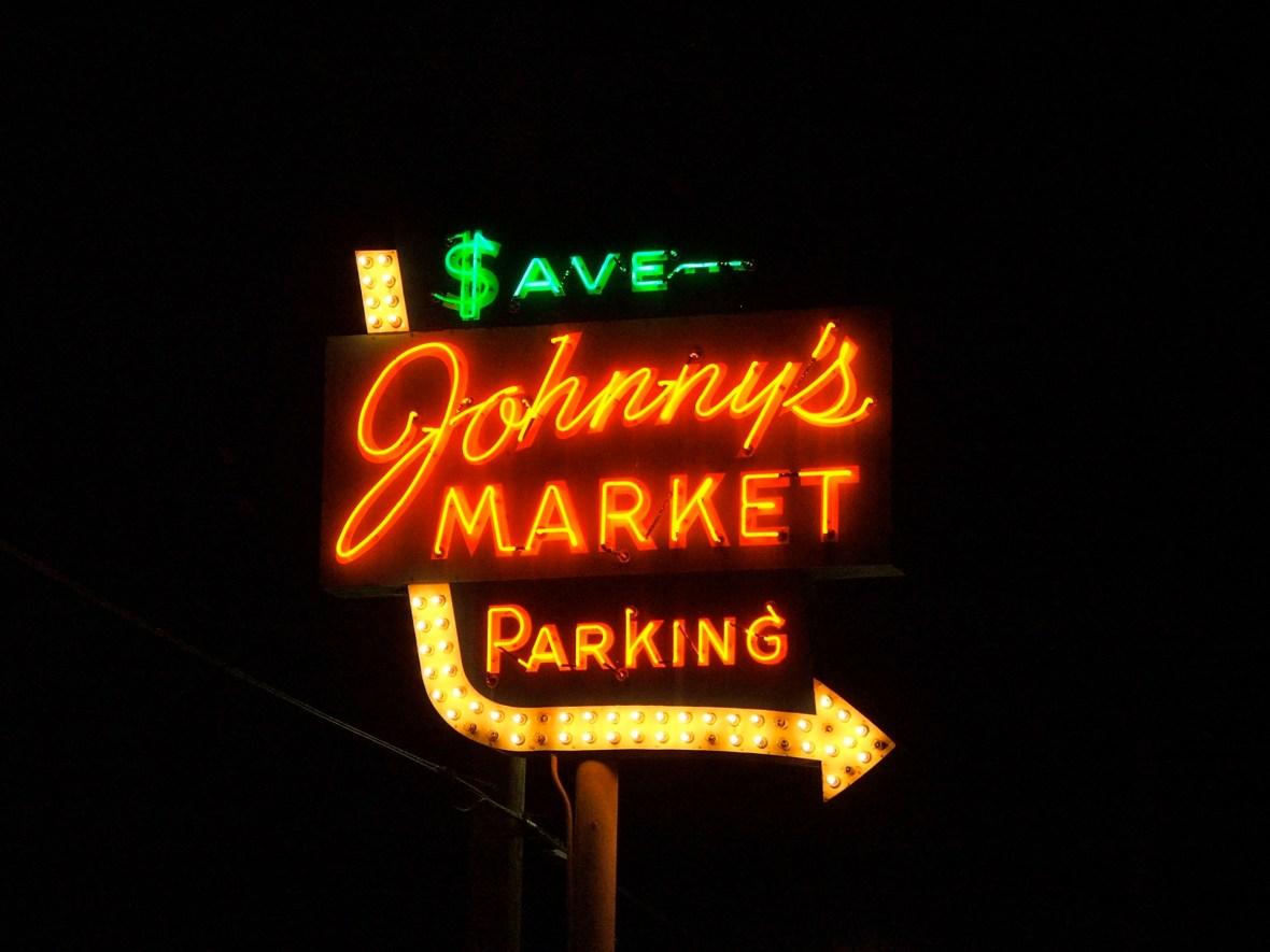 Johnny's Market - 11555 Gravois Road, Saint Louis, Missouri U.S.A. - May 3, 2008
