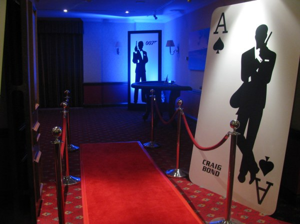 James Bond Red Crpet Entrance | 007 Casino Party Hire ...