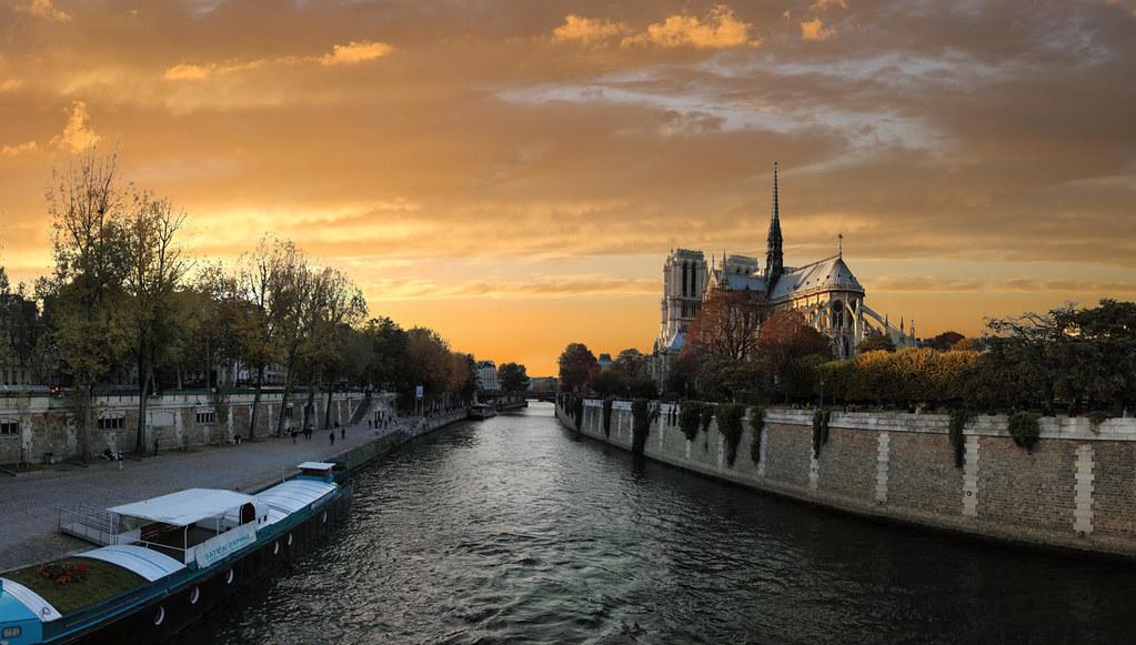Cath 233 Drale Notre Dame Et Les Quais De Seine Paris France