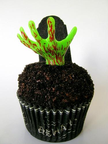 Zombie Halloween Cupcakes My Entry Into Iron Cupcake