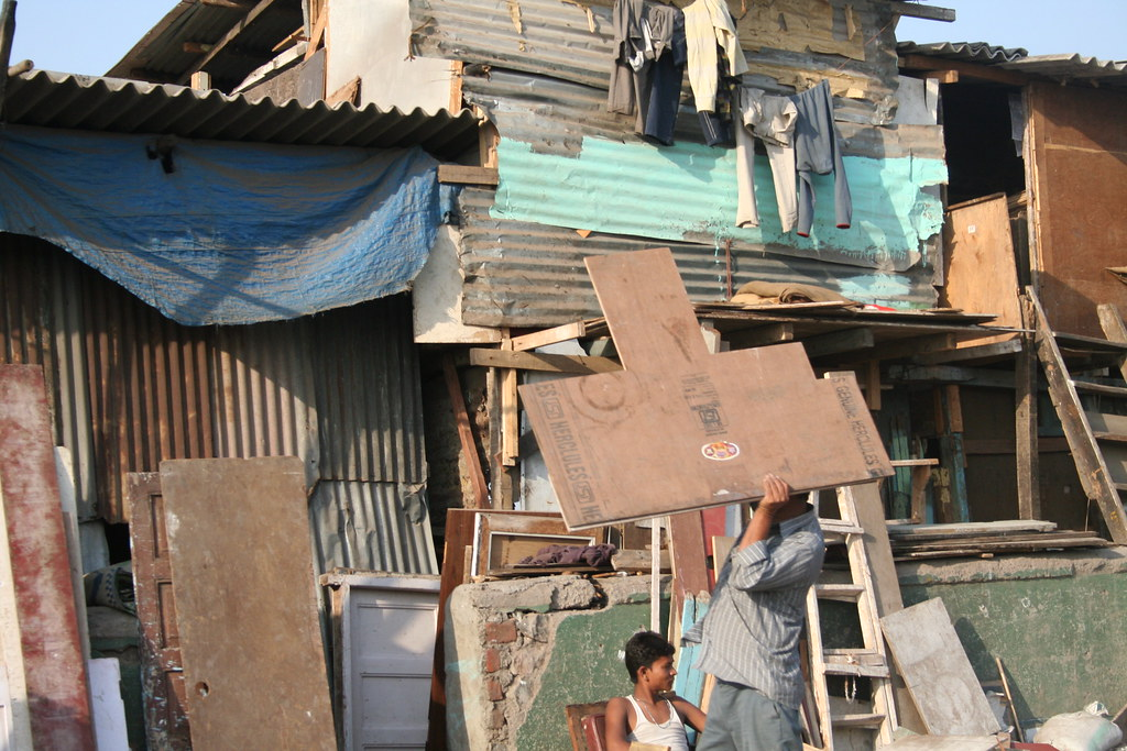 Bombay Quot Slum Quot Homes 1 While India Manages A Nuclear