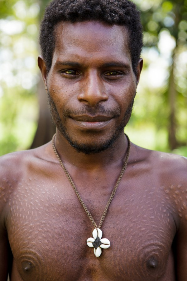 Crocodile Man, Sepik River, PNG | The traditional ...