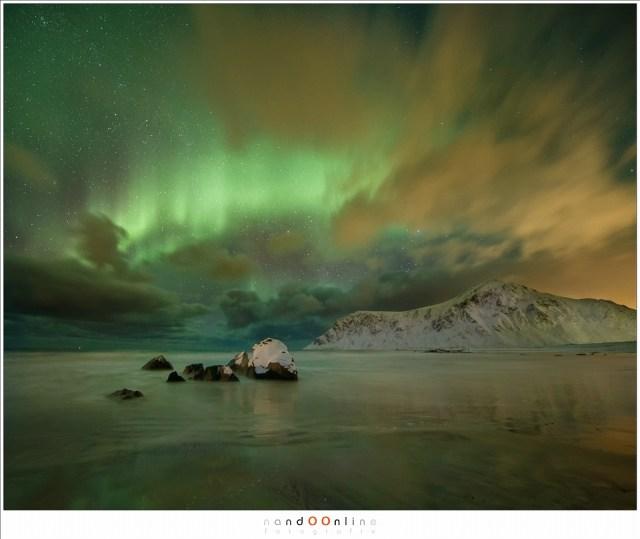Op het drukke strand van Skagsanden heb ik toch een plekje gevonden zonder de vele fotografen in beeld.
