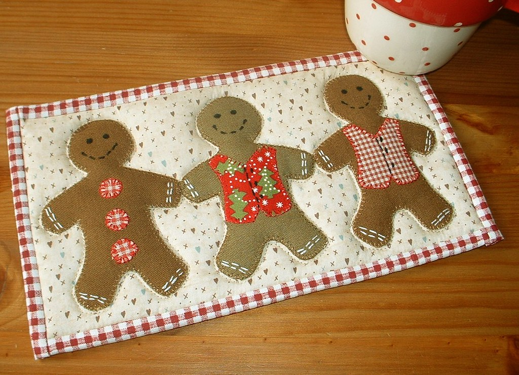 Gingerbread Mug Rug Project These Fellows Have Come