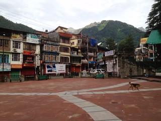 manali downtown square