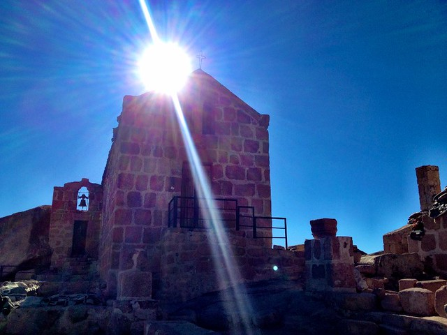 Εκκλησάκι στην κορυφή της κορυφής του Μωυσή στο όρος Σινά