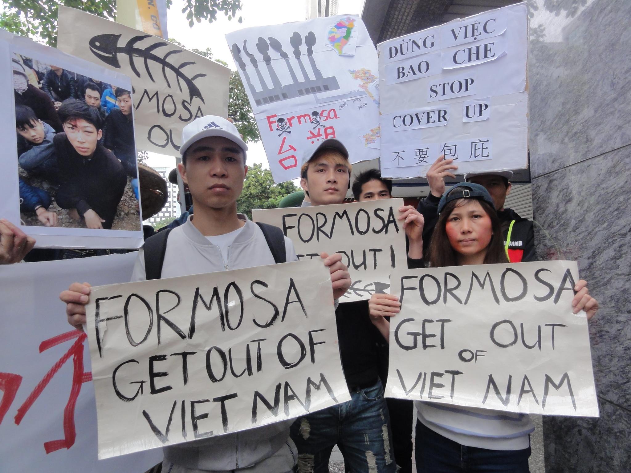 臺塑越鋼污染 5億美金賠款下落不明 在臺移工赴越南辦事處抗議   苦勞網