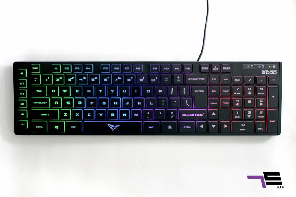 The Chroma 3000 comes with full-size key layout with beutiful lights at the back