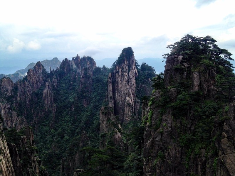 great view of haunagshan, china's yellow mountain