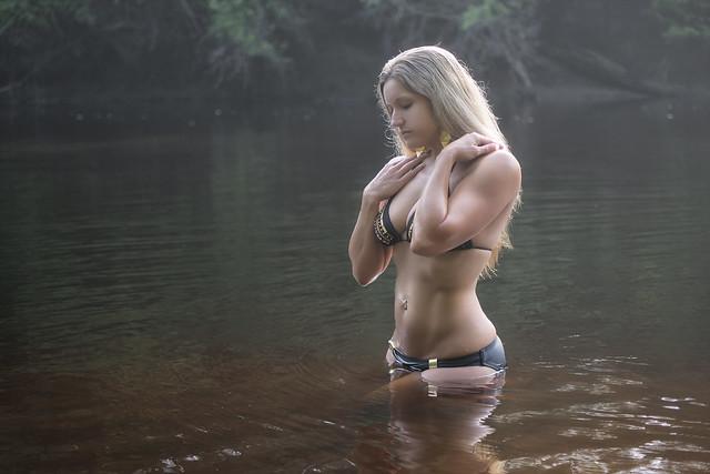 bonnie lynn naked