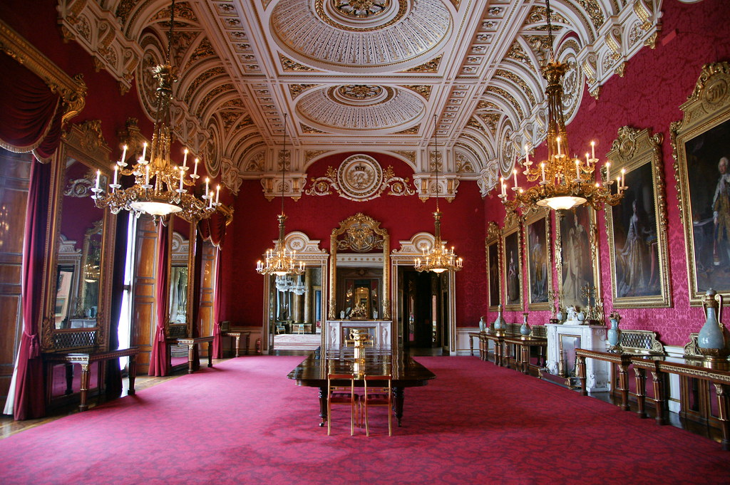 Buckingham Palace The State Dining Room Is Used By The Que Flickr