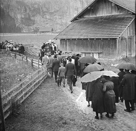 Animated Stereo Alpine Funeral Procession 1938 To See