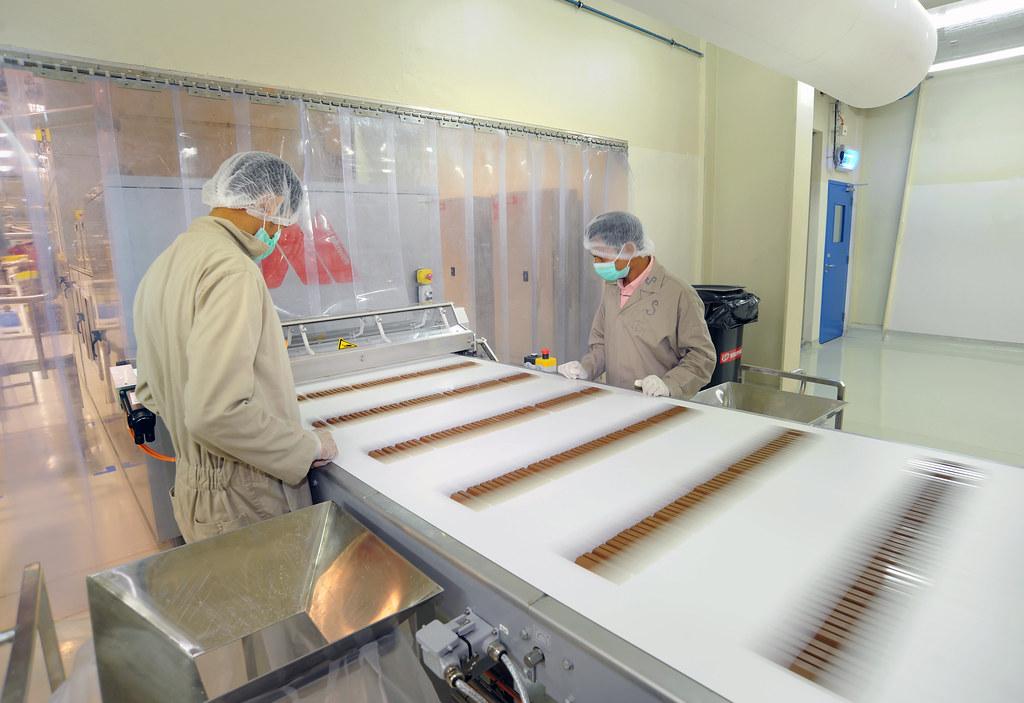 Kit Kat Production Line In Nestl Factory In Dubai Flickr