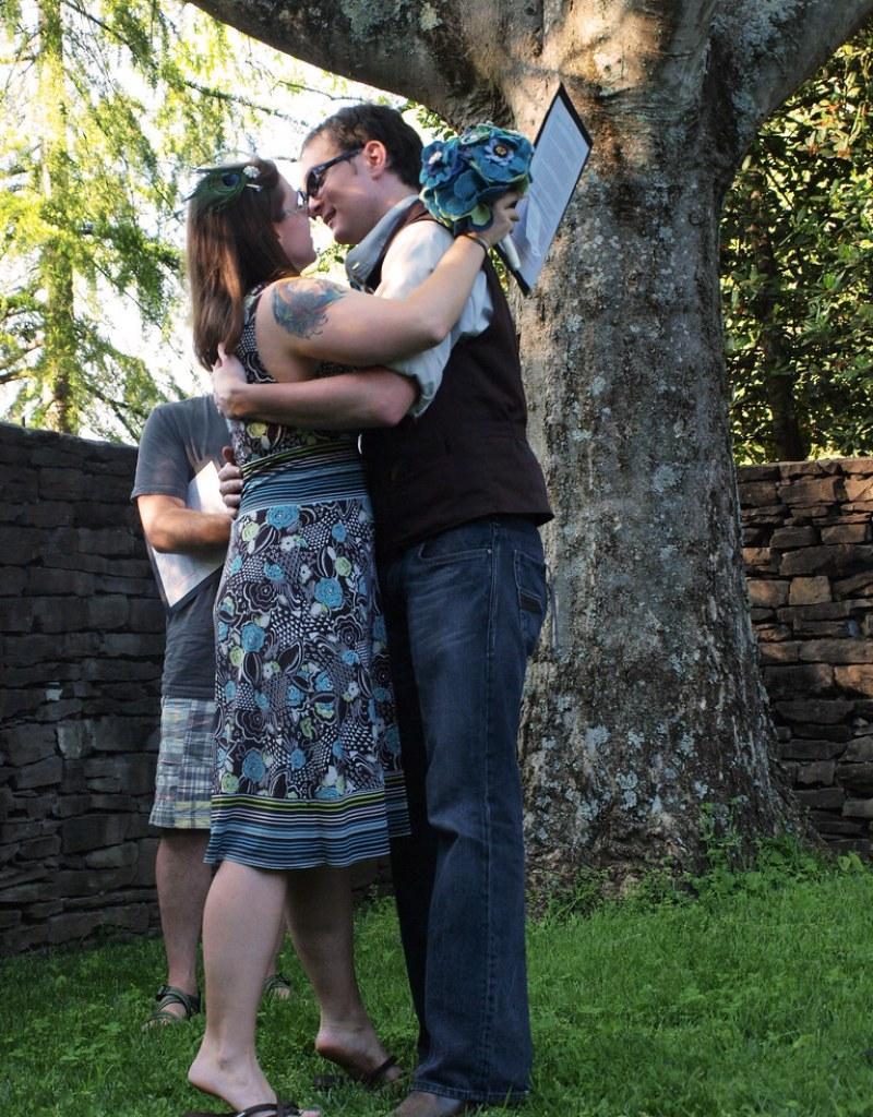 Sample wedding budgets from @offbeatbride