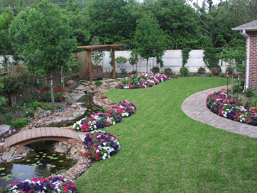 idea simple garden landscaping Knoxville-Tennessee-landscaping-ideas-with-rock-timber-sto