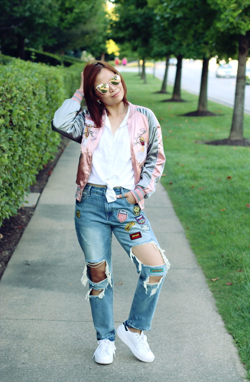 sammydress-embroidered-jacket-distressed-jeans-white-sneakers-7