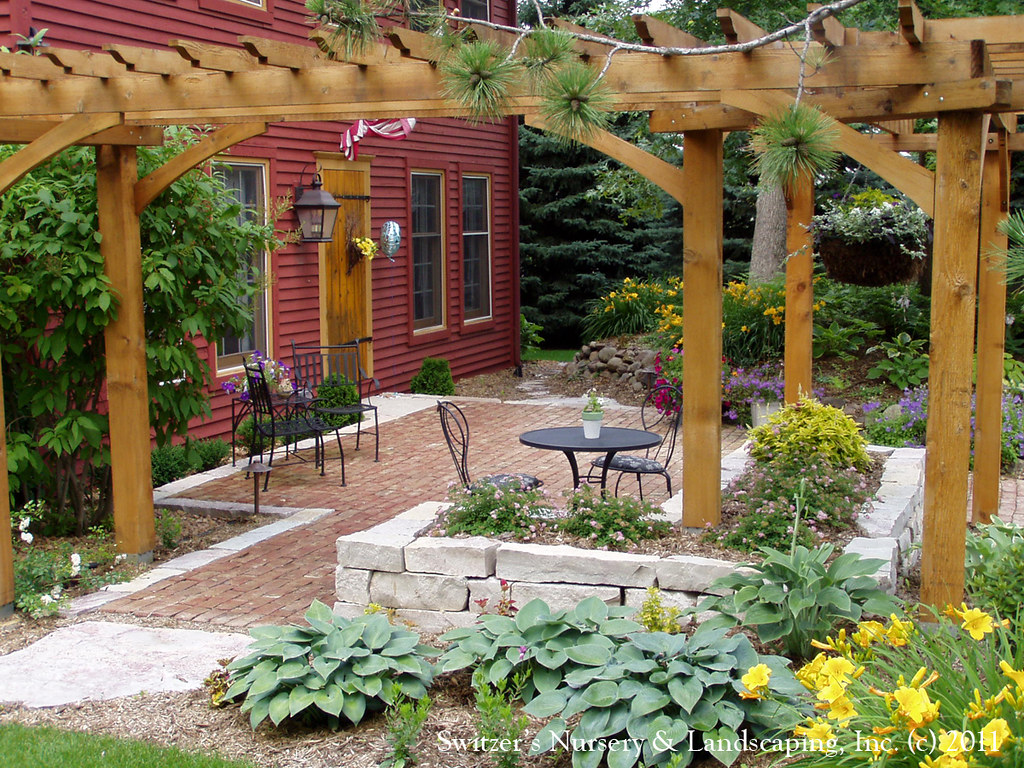 Front Yard Patio & Entry Pergola on Salt Box Home   Old ... on Front Yard Patio id=85941