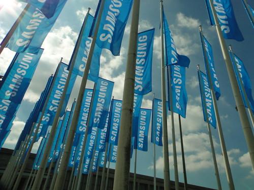Banderas de Samsung en Messe Berlin, Alemania.