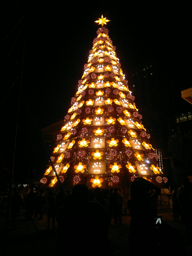 UST Christmas Tree 2012 Timo Soriano Flickr