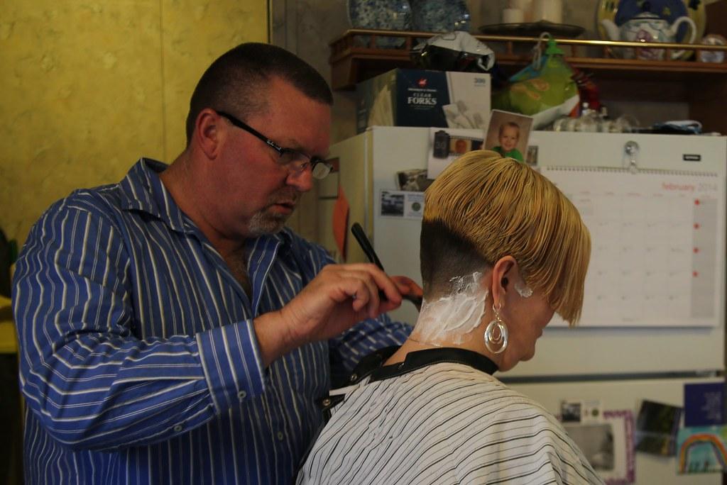 Melissas Haircut 02 09 14 075 Straight Razor Neck Shave