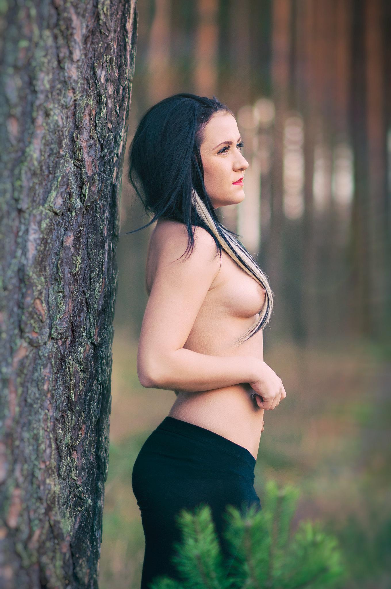 Model: Elina