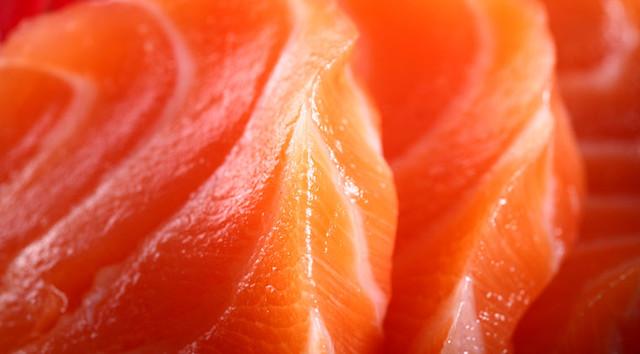 Sashimi de salmón
