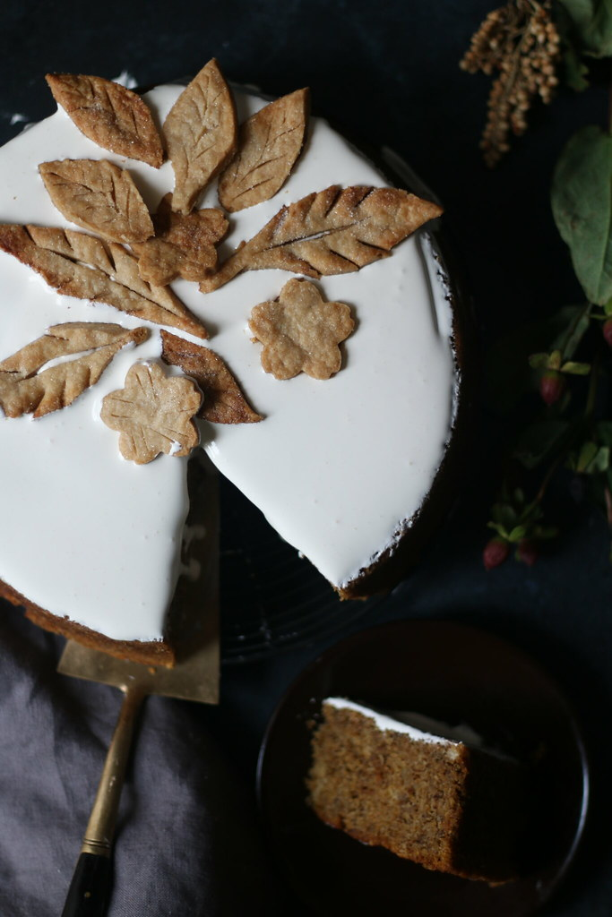 BROWN BUTTER PUMPKIN CAKE with CARDAMOM AND SAFFRON |foodfashionparty| #pumpkincake