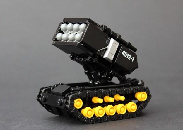 Blacktron 'Wolverine' Assault Tank