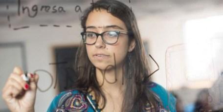 Mariana Costa reclutas a mujeres sin experiencia en Lima, las capacita y luego busca su inserción en el nuevo mercado laboral tecnológico.