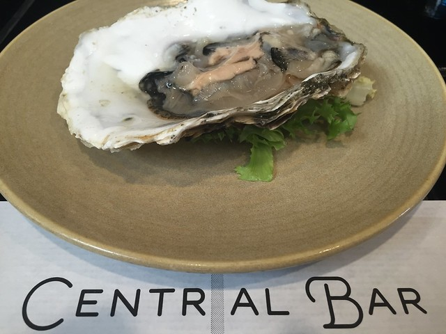 Ostra valenciana al natural, en 'Central Bar'
