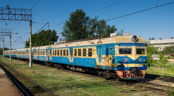 Stepnogorsk railway: ER22-34 EMU train | Stepnogorsk, a ...