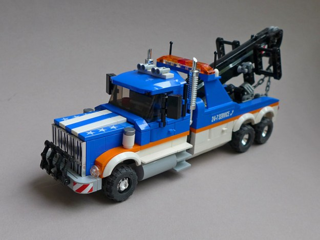 LEGO Tow Truck gets an upgrade | The Brothers Brick | The Brothers Brick