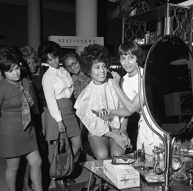 Black Is Beautiful 1970 Flori Roberts Cosmetics Makeup