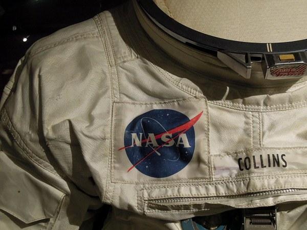 NASA Apollo 11 space suit | The NASA patch on an Apollo 11 ...