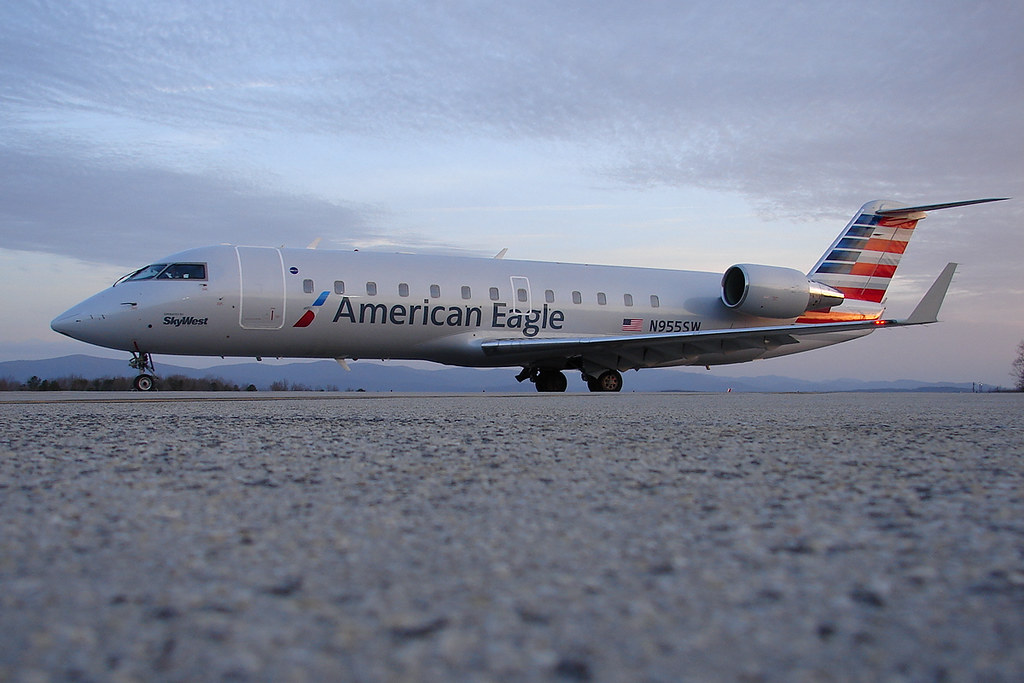 American Eagle Operated By SkyWest CRJ 200 N955SW Flickr