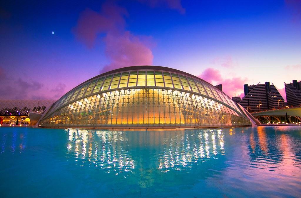 L Hemisf 232 Ric Architect Santiago Calatrava Trying Color