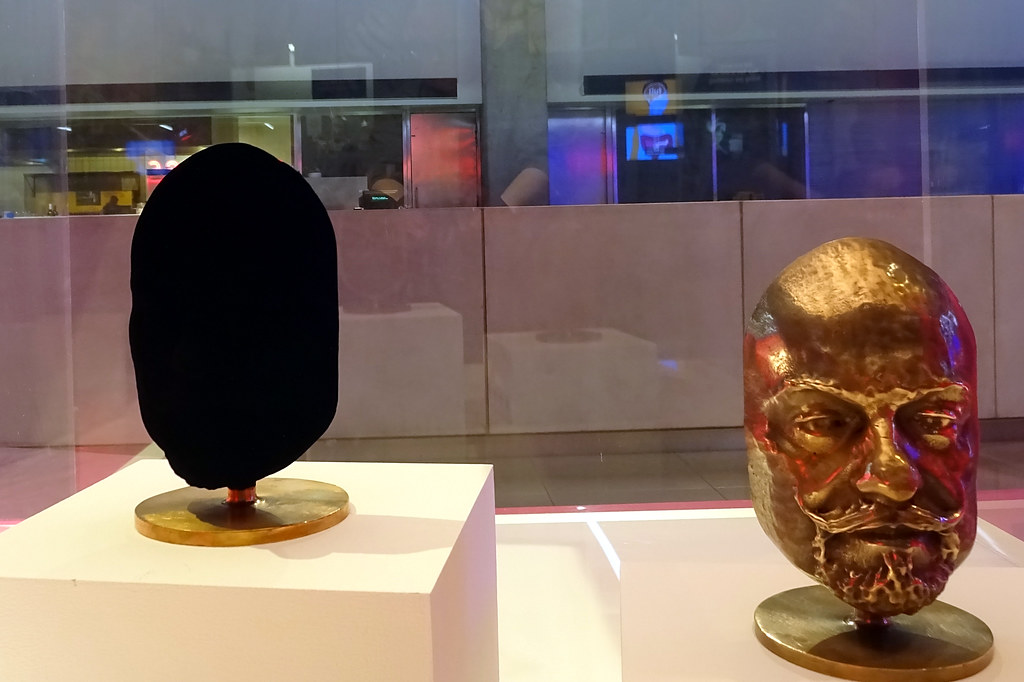 Vantablack At The Science Museum Pretty Disappointing In