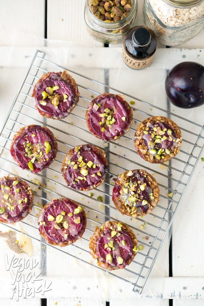 Baked Plum Pistachio Oatmeal Cups! Easy, delicious, and allergen friendly, plus oil-free! #vegan #glutenfree