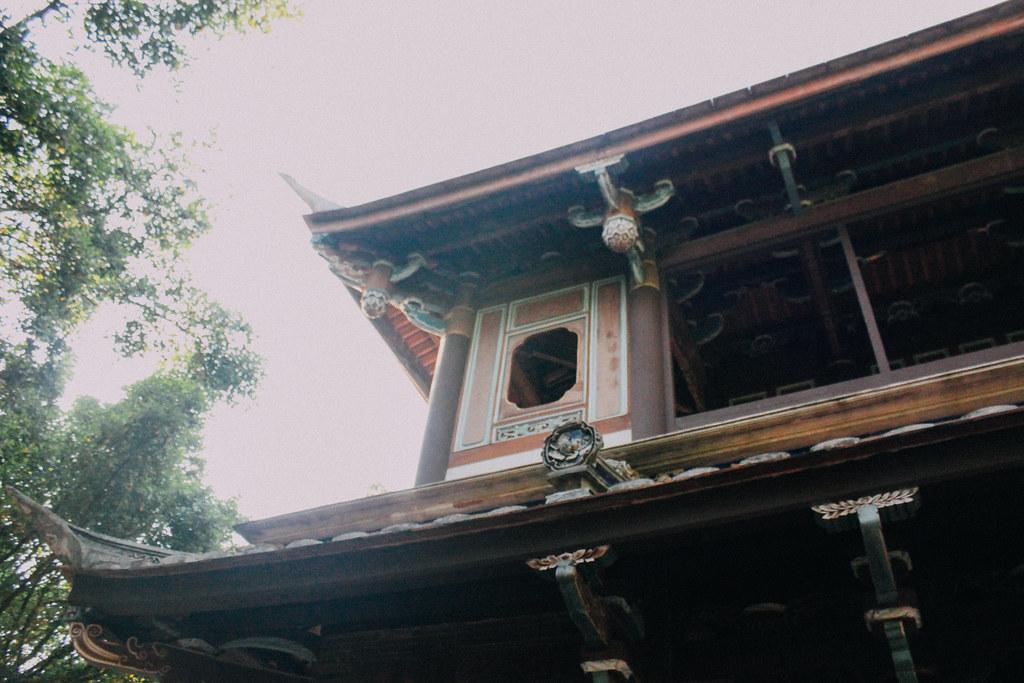 Numerosos edificios conforman los jardines colindantes a la mansión
