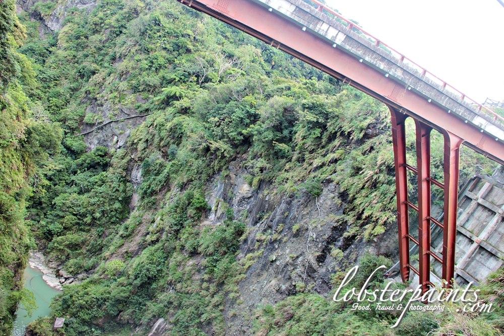 14 September 2012: Fanshuliao (Sweet Potato Hut) Bridge 番薯寥 & 'Forest of Braves' 遗勇成林 | Hualien, Taiwan