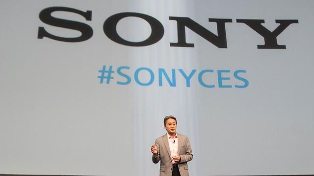 CEO de Sony, Sr. Kazuo Hira, durante u discurso.