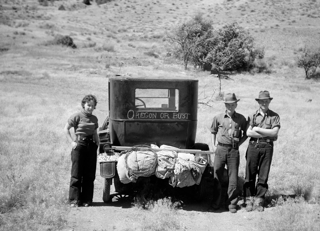 Rothstein, Arthur, photographer. Oregon or bust. Leaving South Dakota for a new start in the Pacific Northwest. July, 1936.