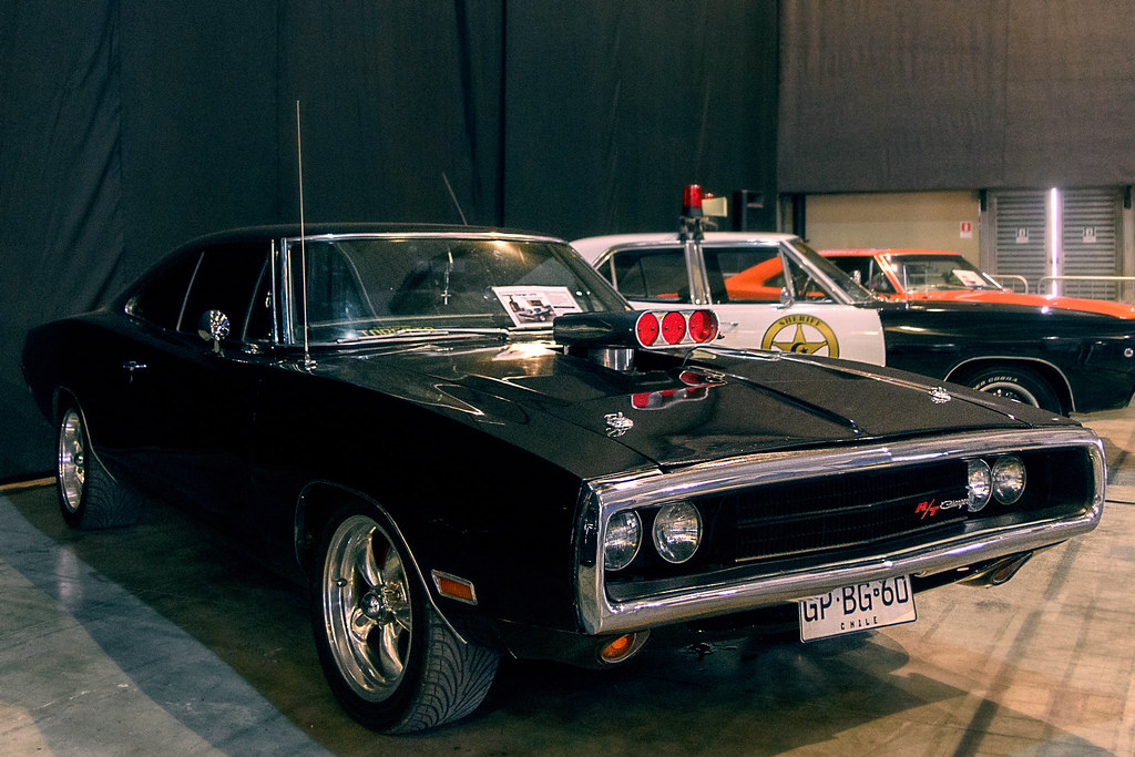 1970 Dodge Charger R/T Exposición zero300