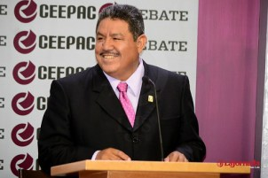 Sufre Aniceto Becerra accidente carretero; atropella ganado