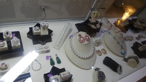 Luxuri Alabang