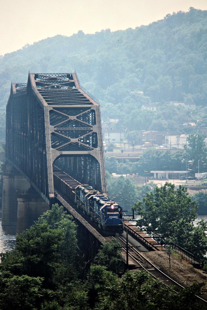 Cr Steubenville Ohio 1989 Eastbound Conrail Freight