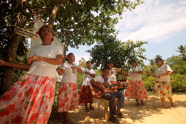 Traditional Song & Dance at Bojo River Cruise