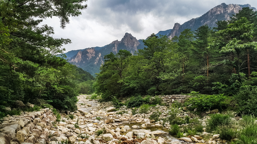 Seoraksan National Park | Hike to Ulsanbawi
